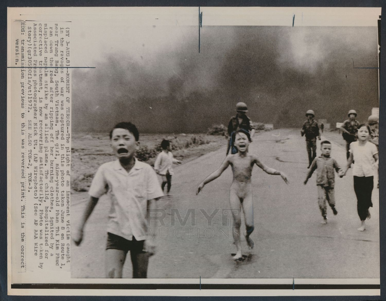 Lot 1099 1972 Napalm Girl Pulitzer Prize Winning Photo By Nick Ut